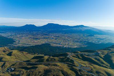 大観峰上空より阿蘇谷を望む画像