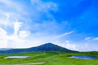 新緑の草千里ヶ浜